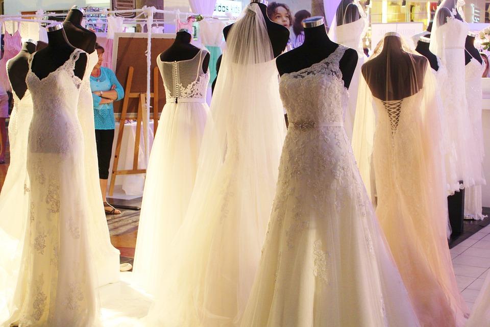 Beim Brautkleidkauf