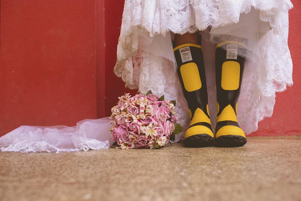 Stilbruch total - lustige Hochzeitsfotos