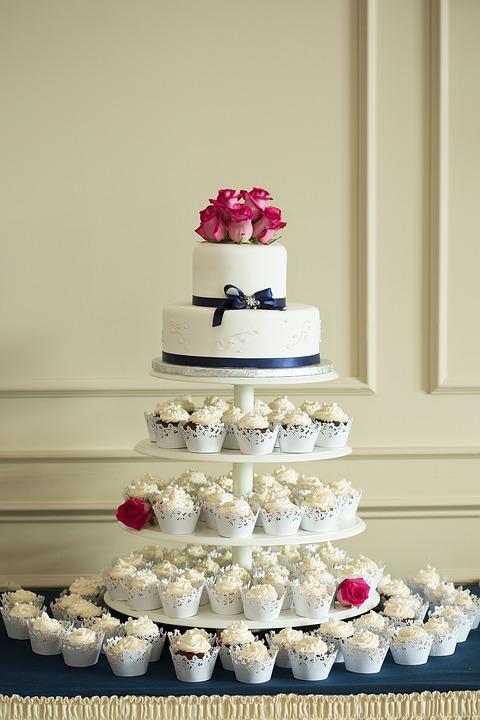 Hochzeitstorte? Cupcakes? Oder doch Beides?