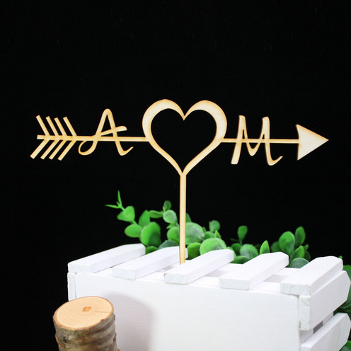 Initialen des Brautpaares - personalisierter Tortenpick