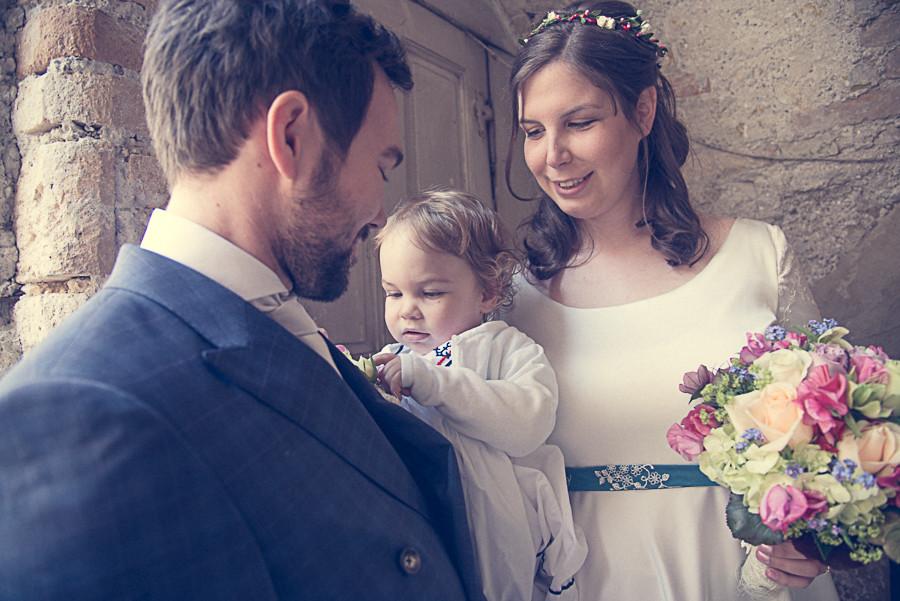 Brautpaar mit Baby