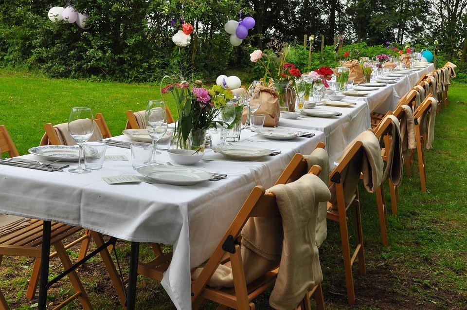 BOHO-Hochzeitstafel - Decken für den Abend
