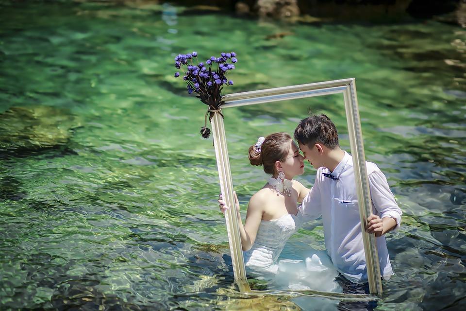 Schöne Fotomotive finden für das Paar-Shooting