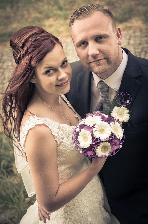 Brautpaar im Vintage-Look