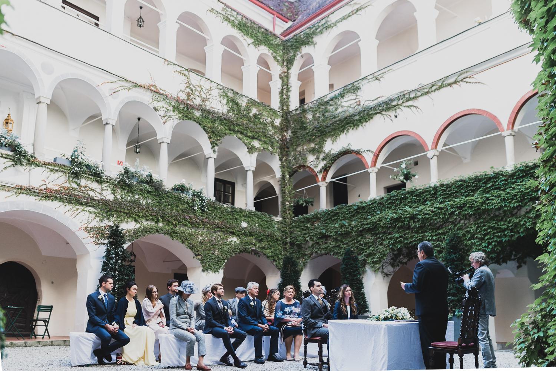 Trauung im Innenhof des Schloss Ernegg