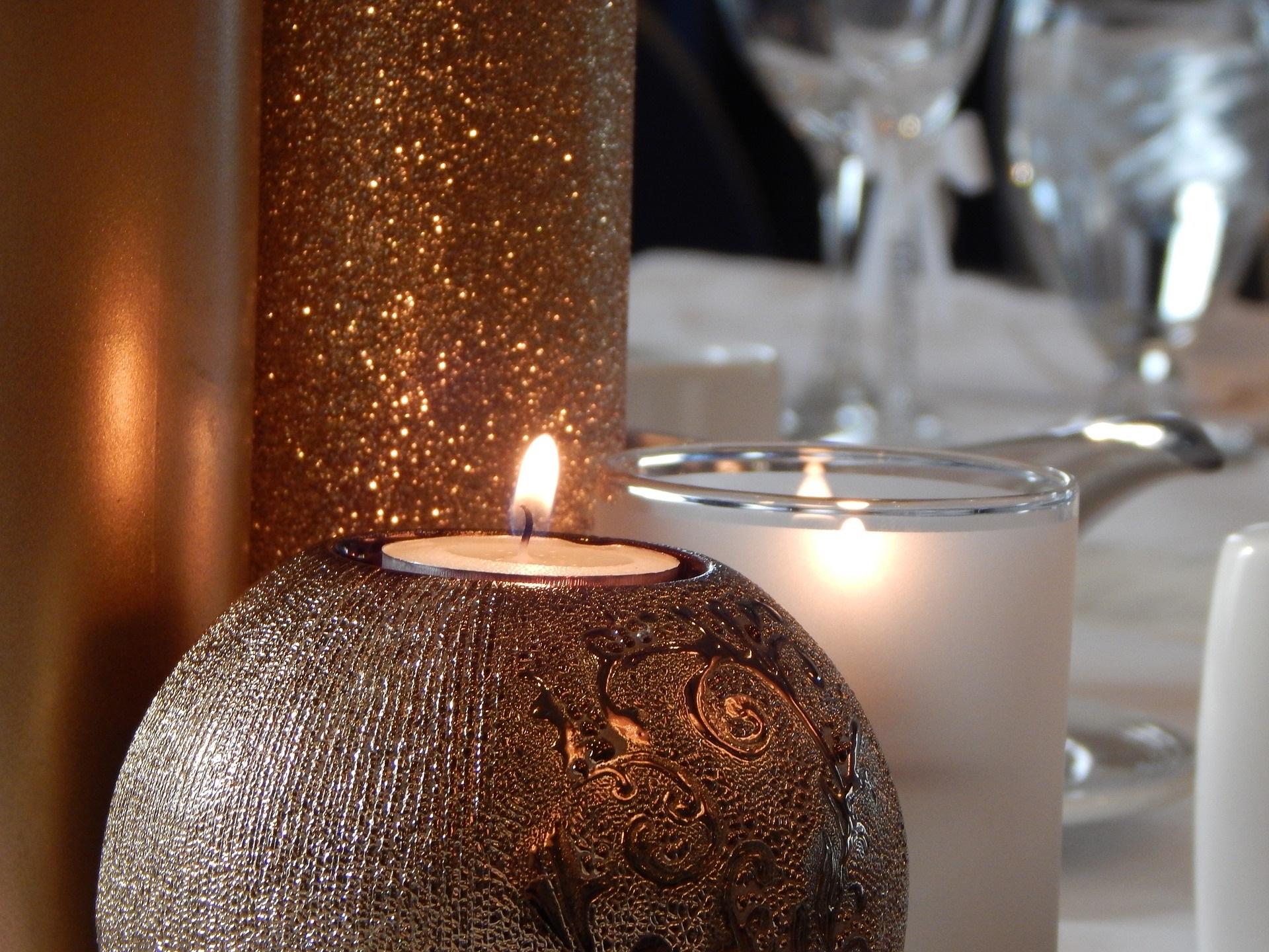 Kerzen, Glas, Spiegel - Hochzeitstrends 2019