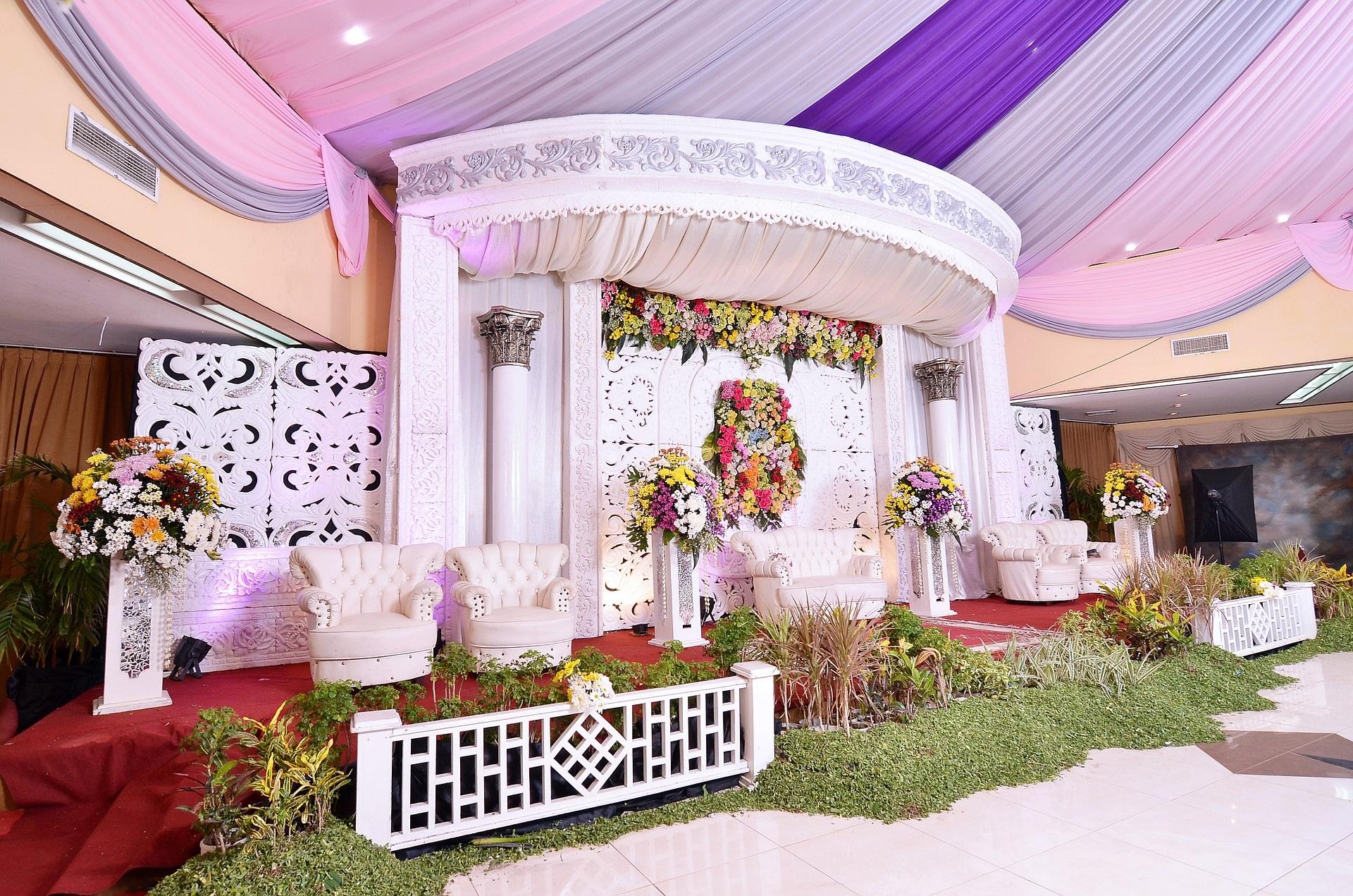Üppige Blumendekorationen beio Hochzeiten - Trends 2019