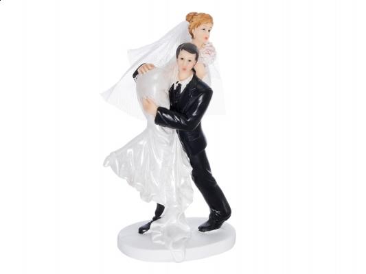 Braut über Schulter