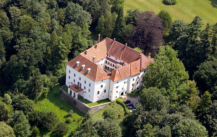 Schloss Ernegg - © Bavaria Luftbaild Verlags GmbH