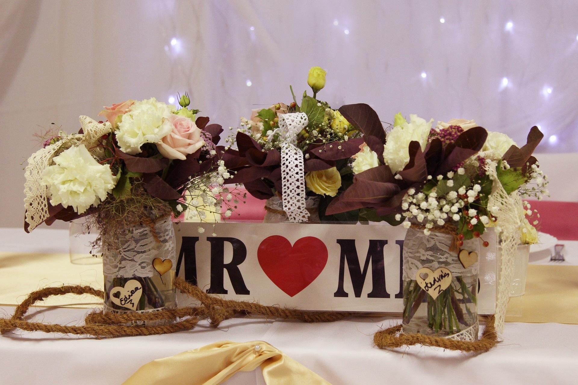 Besonderer Tischschmuck für die Hochzeit - Trends 2019