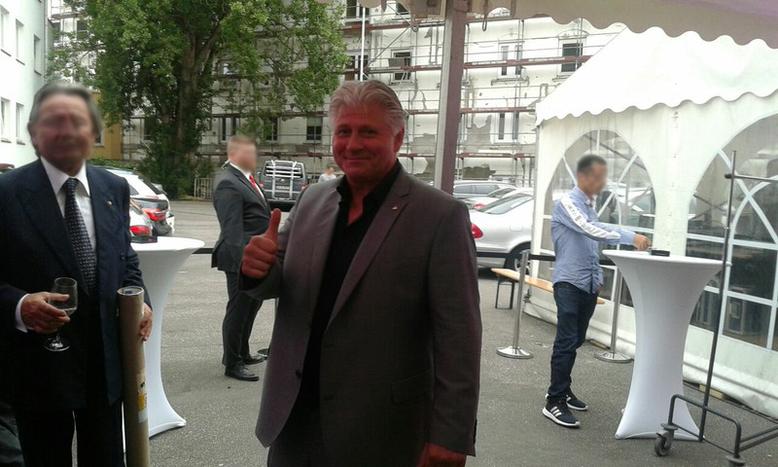 Carsten Marek der neue Boss der Boxerkneipe Ritze auf der Feier am 29.06.2017