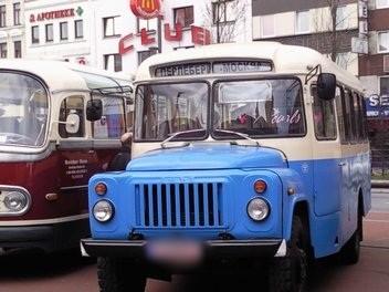 Historische Autos auf dem Spielbudenplatz Hamburg St. Pauli