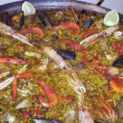 Paella im Restaurant Bahia