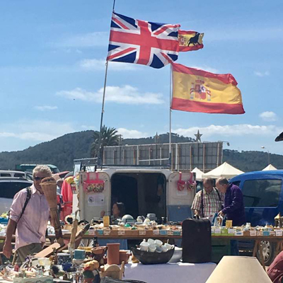 Ibiza der Flohmarkt in Sant Jordi