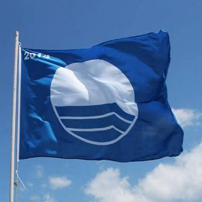 Blaue Flagge für Ibiza Es Canar