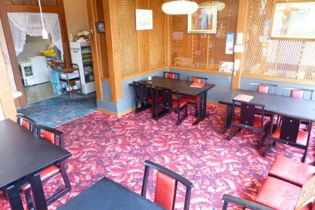 店舗1階。一般のお食事席