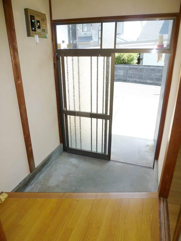 引違い戸の玄関