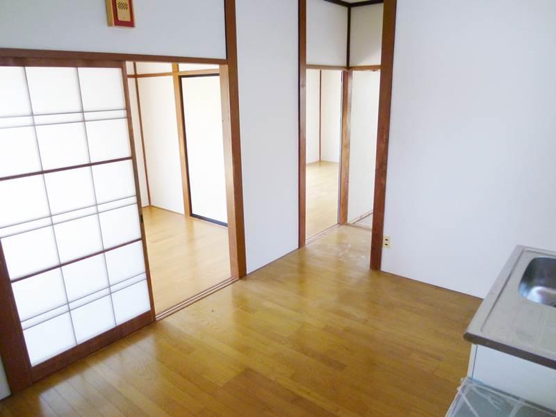 DK6帖、新品のフローリング床!