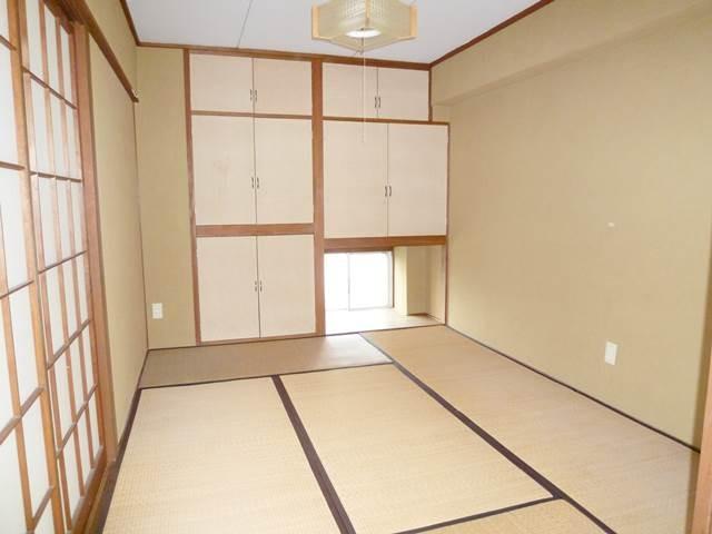 和室6帖には収納がいっぱい