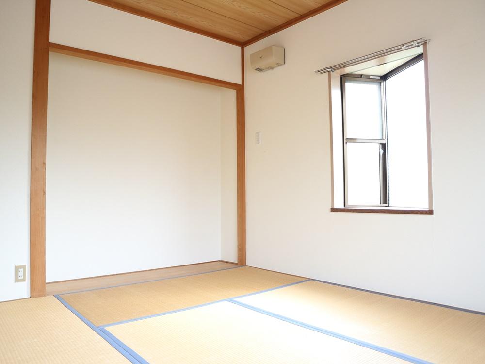 和室6帖(畳はご入居前に表替えします)