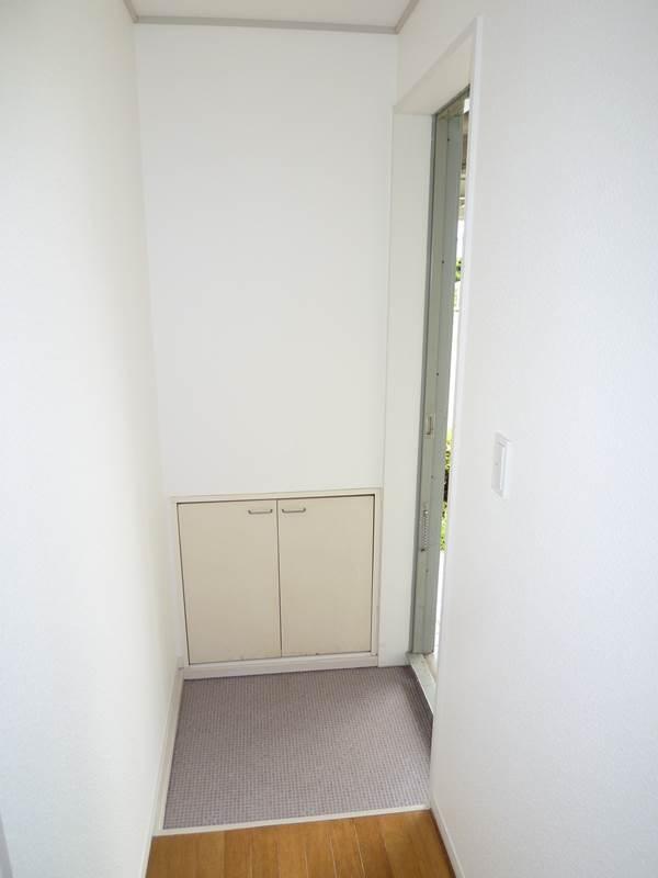 玄関に収納があります