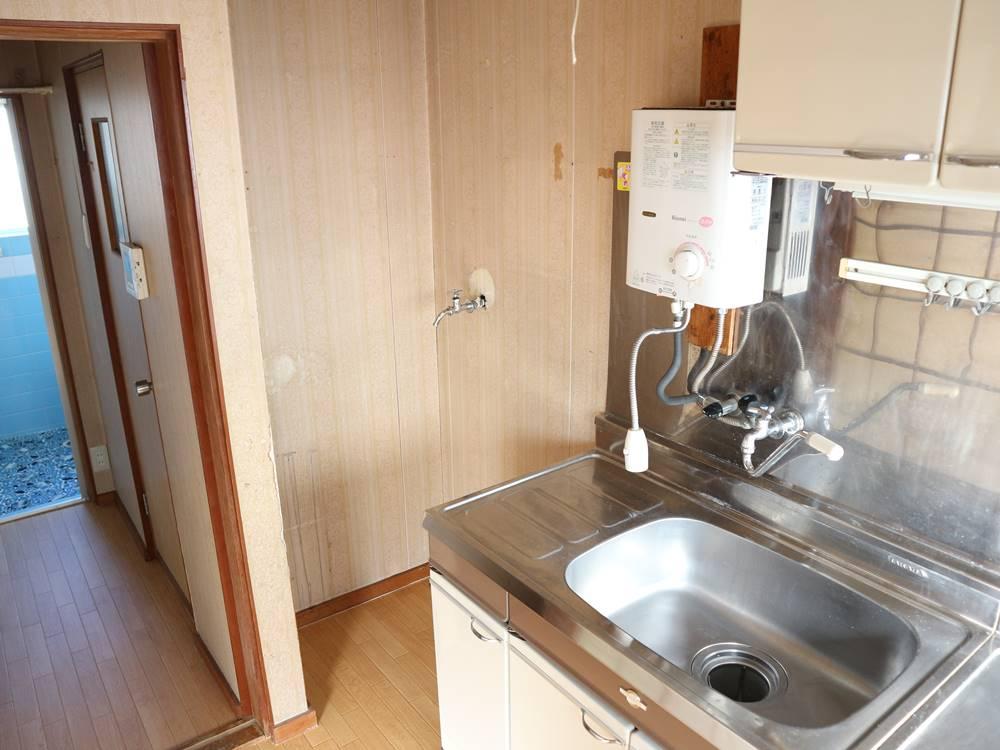 キッチン横が洗濯機置き場