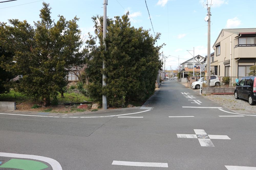 東側の公道