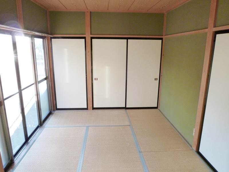 1階和室6帖。収納2ヶ所あり。