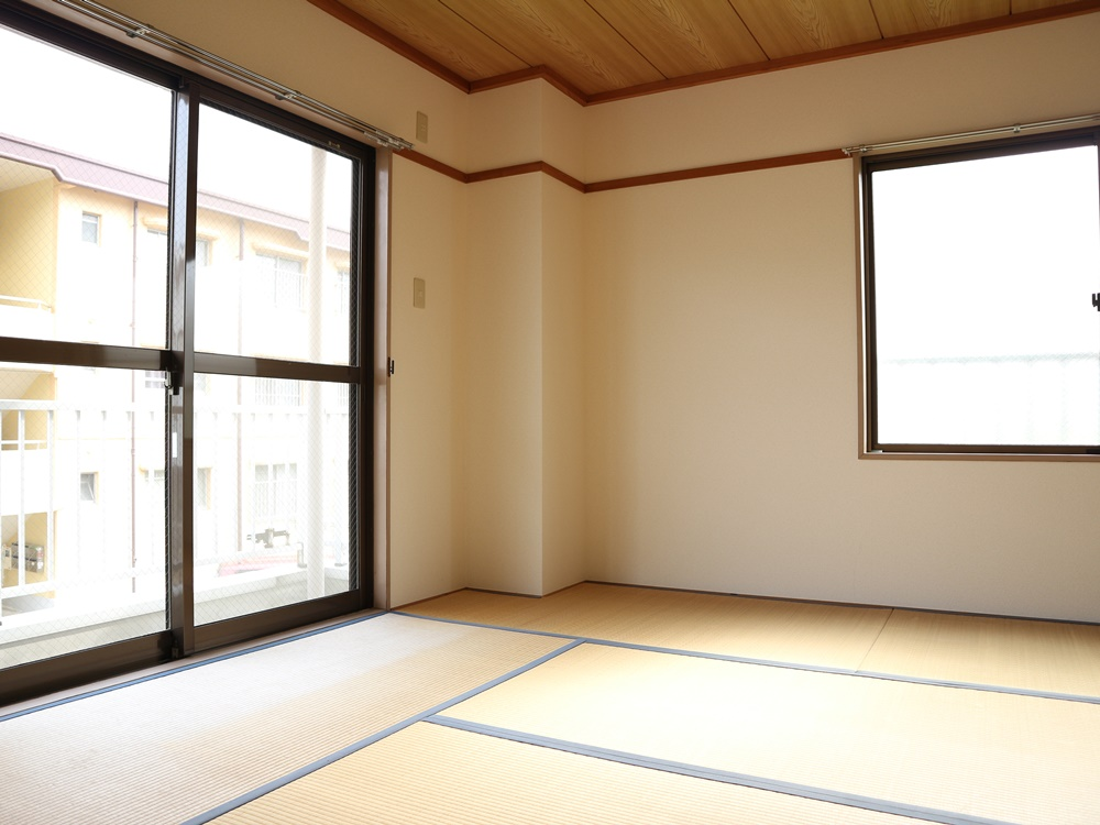 和室8帖(畳はご入居前に表替えします)