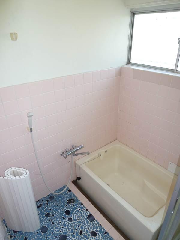 窓があって換気もOKな浴室