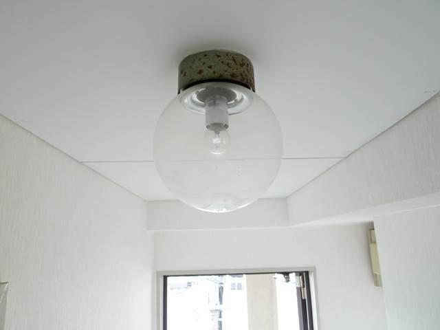 玄関ホール廊下の天井照明