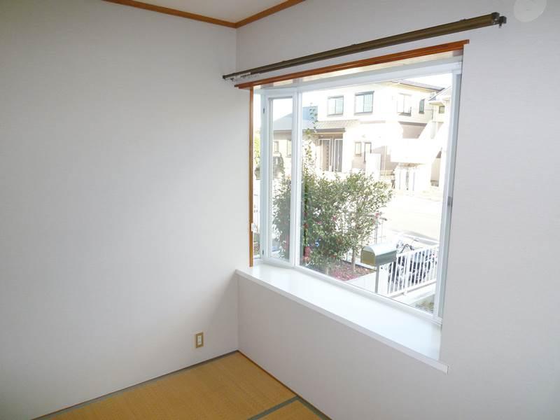 1階和室は出窓付き