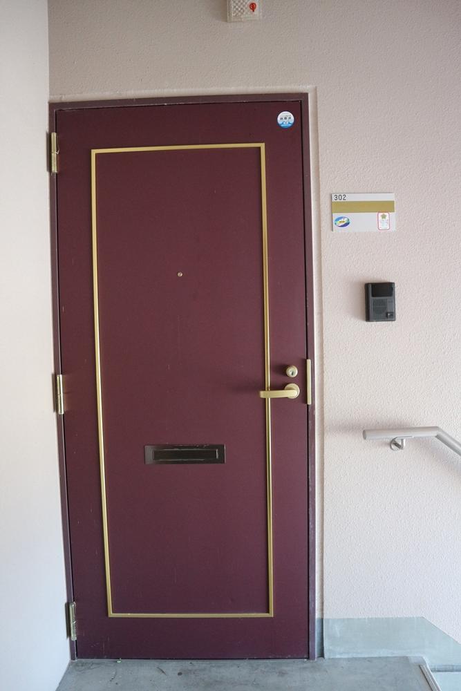 玄関鍵はディンプルキー。モニタ付きドアホン付き