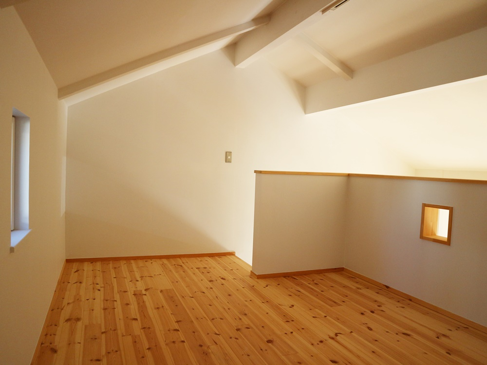 2階小屋裏部屋7帖