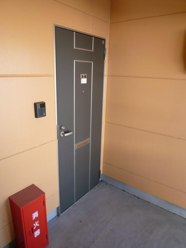 玄関、モニタ付きドアホンあります