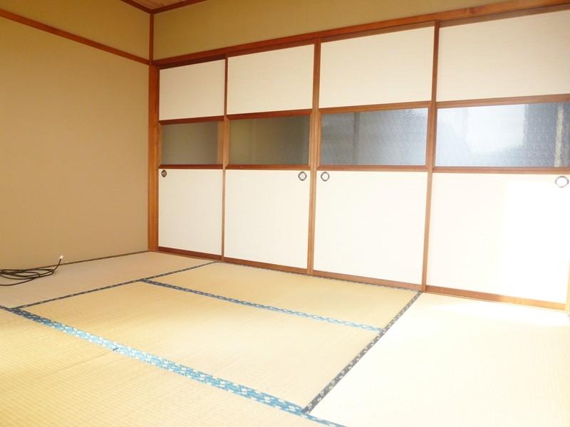 洋間横の和室6帖。独立部屋としても利用できます