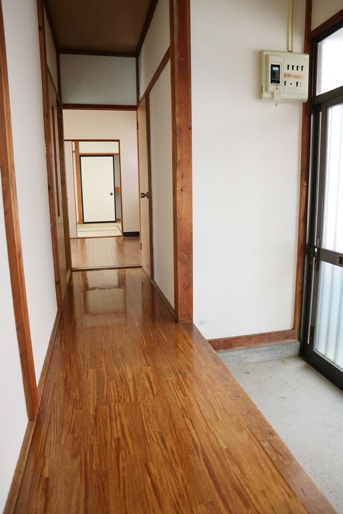 室内をつなぐ廊下