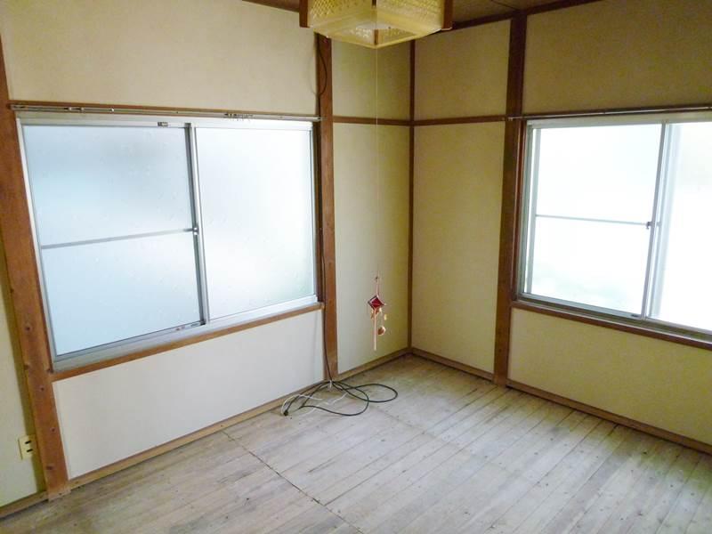 和室6帖。畳はご入居前に用意します
