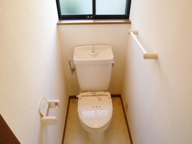 暖房便座付きのトイレ