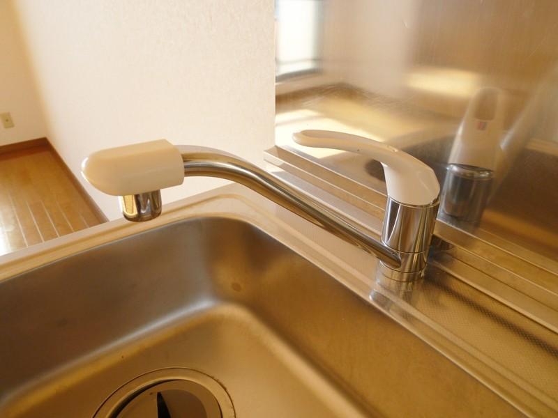キッチンはシングルレバー水栓