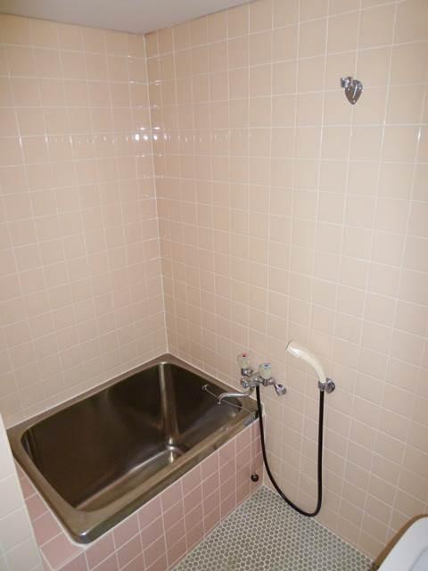 お風呂はシャワー付き