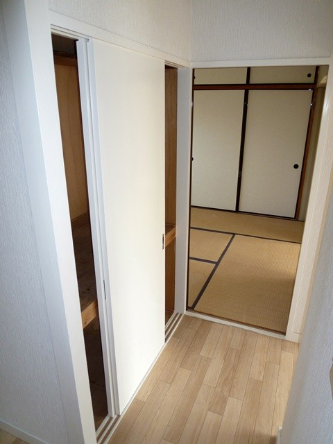 和室の入口(廊下側)