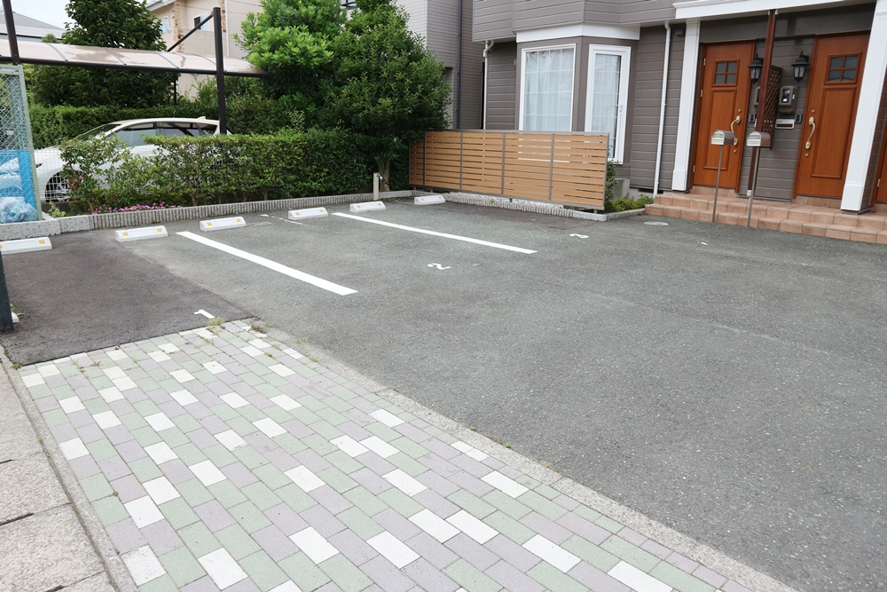 駐車場2台分付き