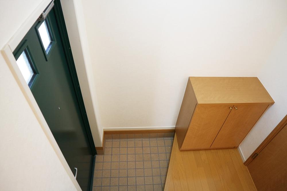 玄関土間はタイル貼り