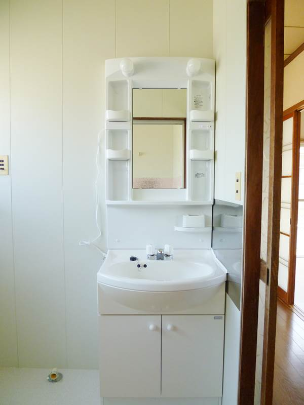 新品の洗面台