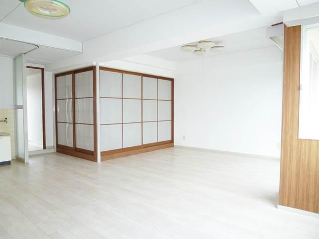 LDK20帖。和室6帖は個室として使用できます