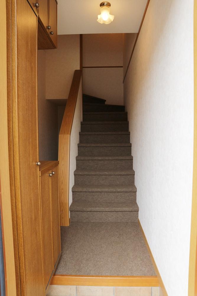 階段あがって居住スペースへ