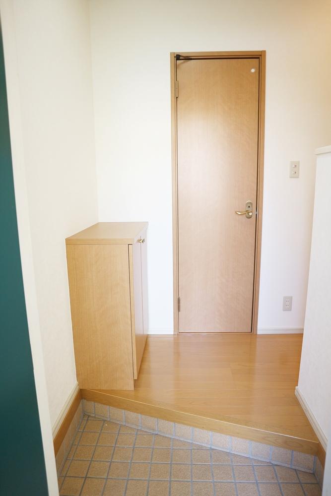 玄関にはシューズボックスがあります