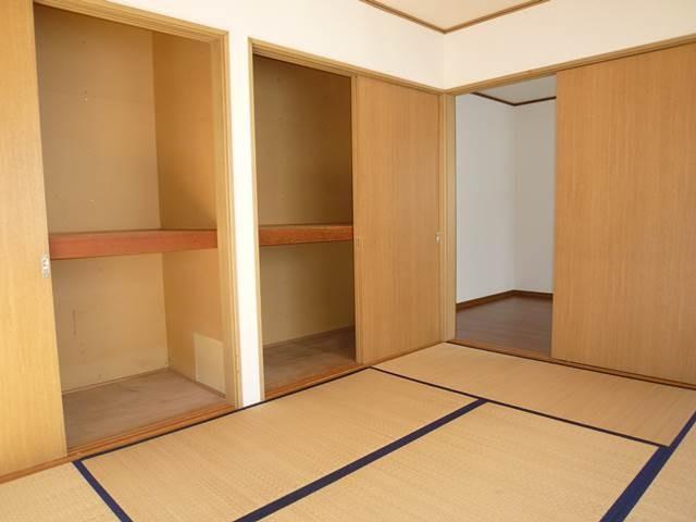 1階和室6帖の収納