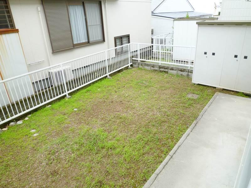 専用庭と専用物置があります。